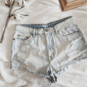 BDG High Rise Dree Cheeky White Wash Jean Short 28